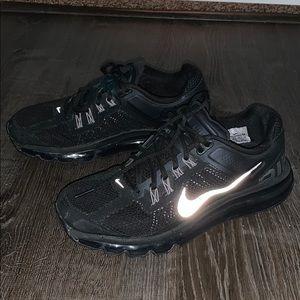 Womens Size 9 Black NIKE AIR MAX Sneakers